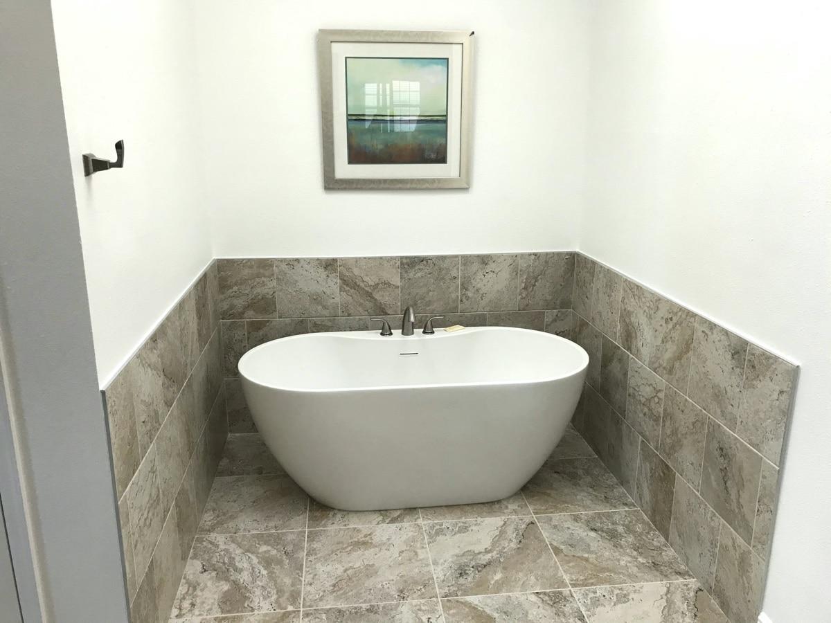 Main-Bathroom-Belleair-Beach